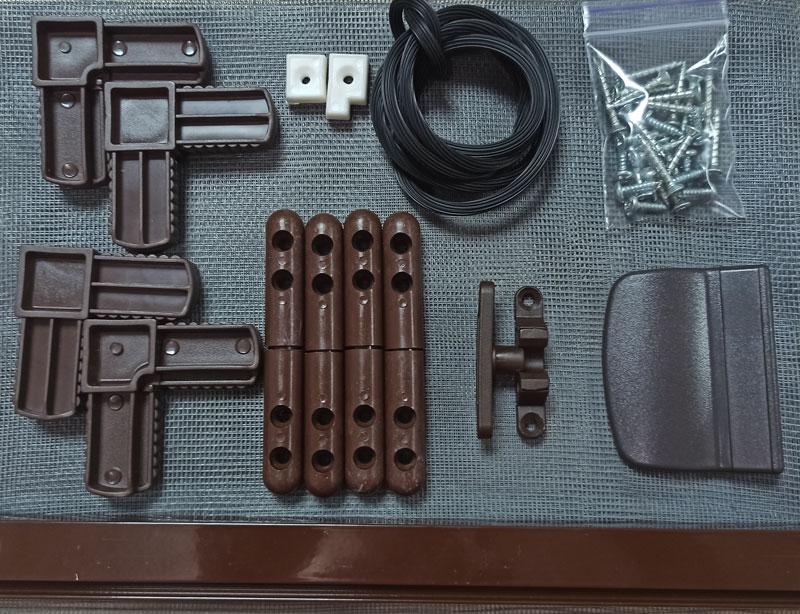 Набор для сборки москитной сетки на петлях на двери коричневый